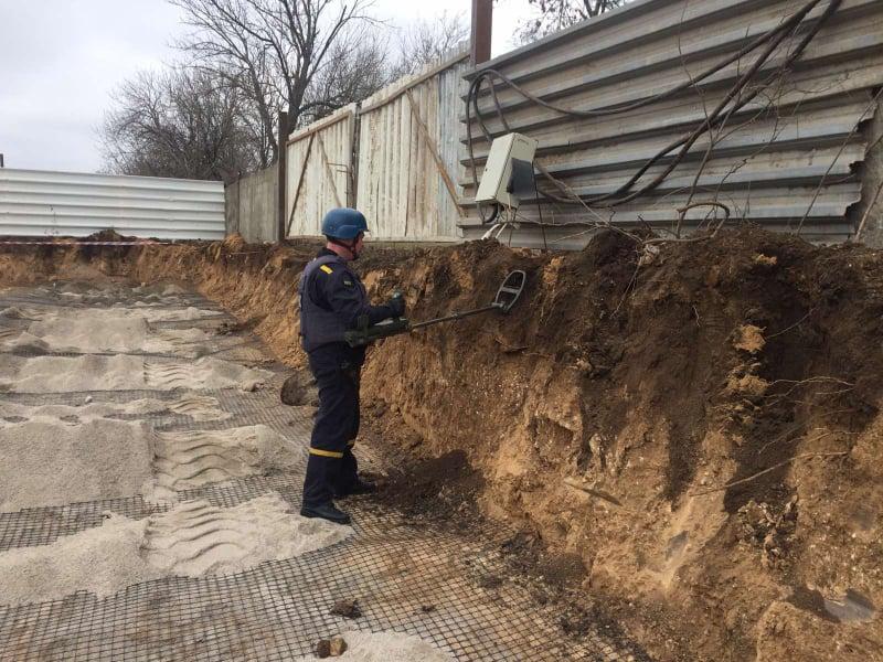В Николаеве на стройке нашли старую мину. Взорвали правильно (ФОТО) 1