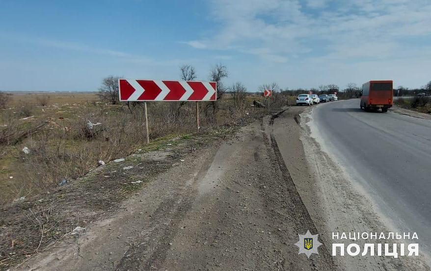 В Николаеве Renault вылетел в кювет и перевернулся, водитель погиб (ФОТО) 5