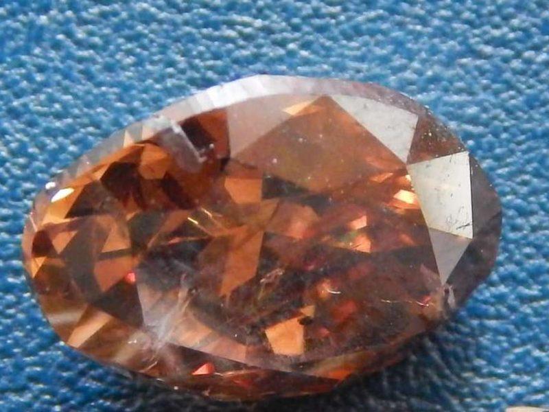 Драгоценная посылка. Таможенники обнаружили редкие бриллианты из США (ФОТО)