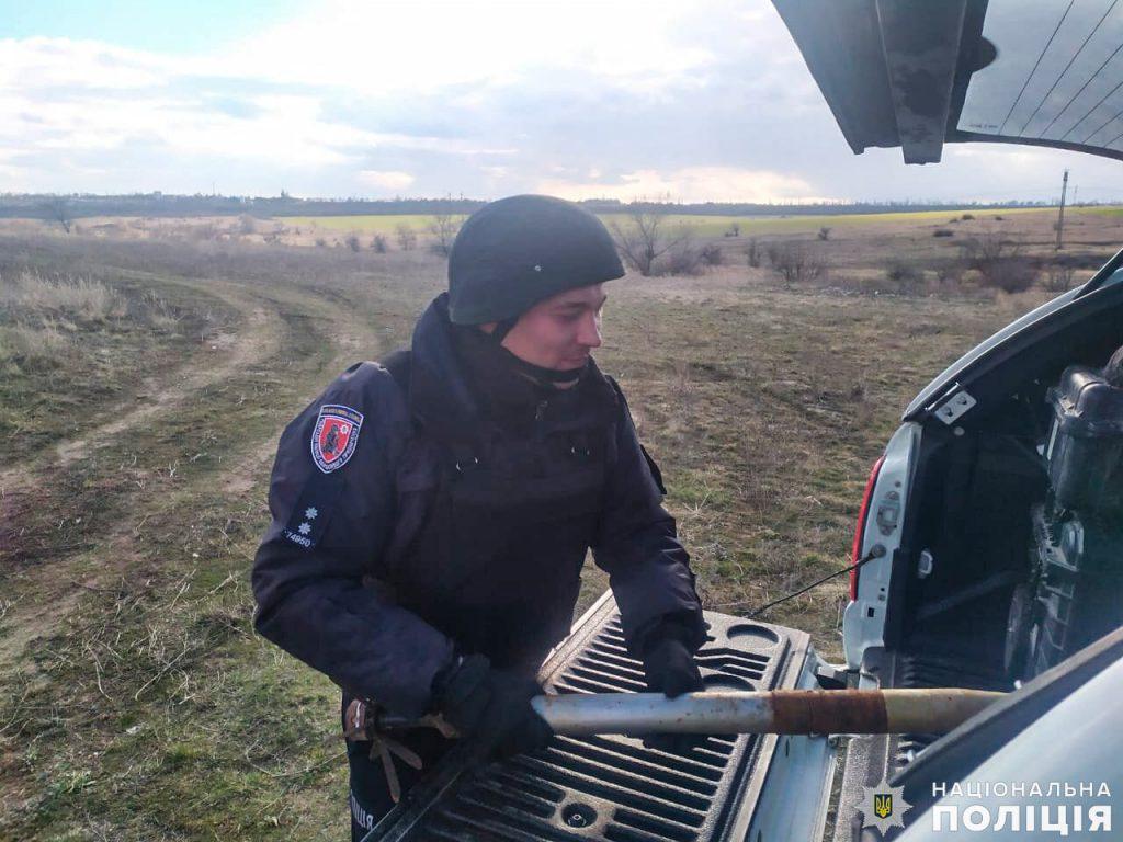Боевую авиаракету случайно нашли в одной из школ Николаевской области (ФОТО) 5
