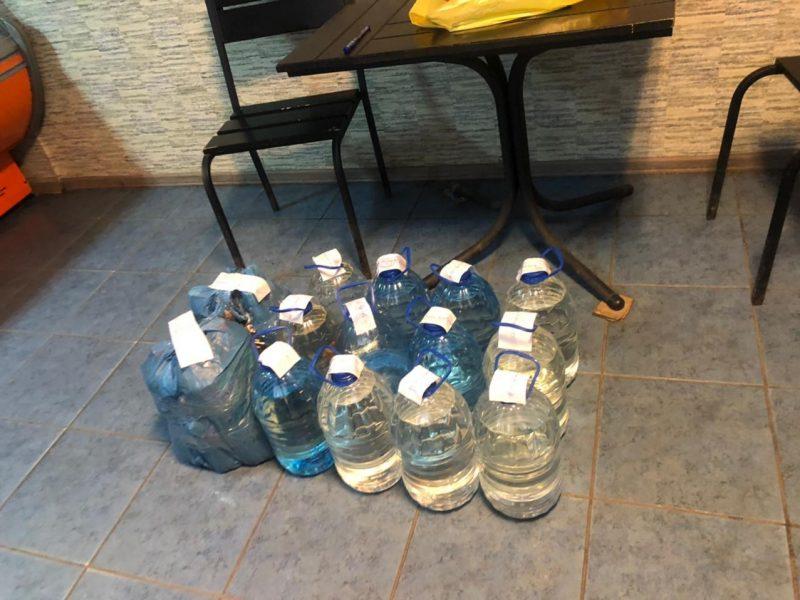 Налоговики Николаевщины из незаконного оборота изъяли 100 литров алкоголя (ФОТО)