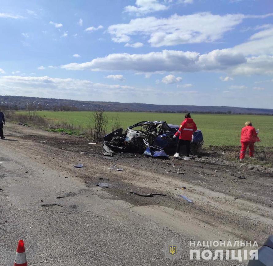 На Николаевщине такси столкнулось с грузовиком - трое погибших (ФОТО, ВИДЕО) 3