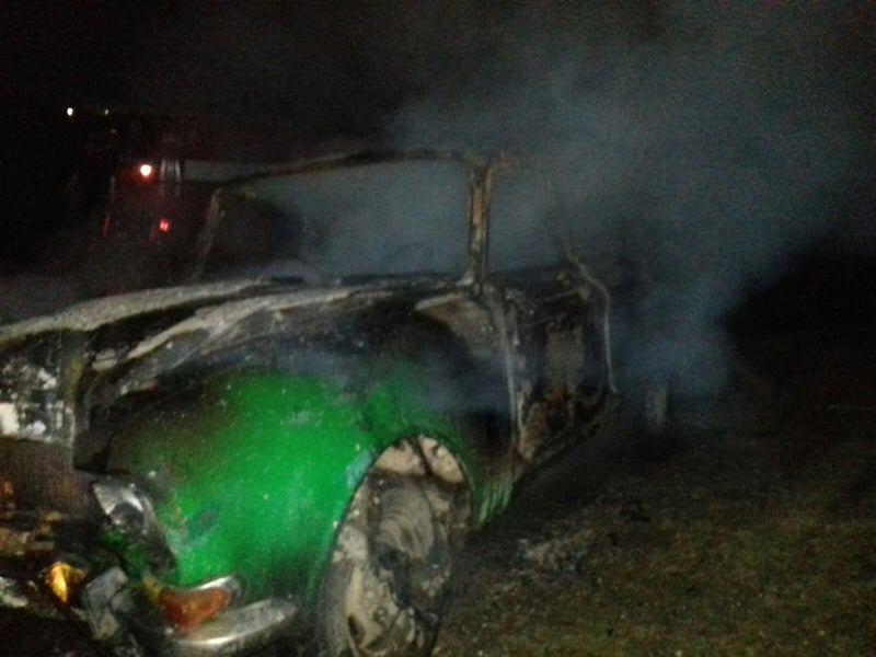 На Николаевщине «Москвич» врезался в электроопору и загорелся (ФОТО)