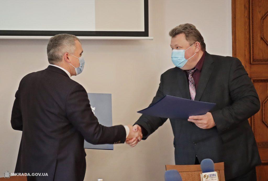 7 млн.грн. на развитие и благоустройство: Николаев и Николаевский глиноземный завод подписали меморандум о сотрудничестве (ФОТО) 3