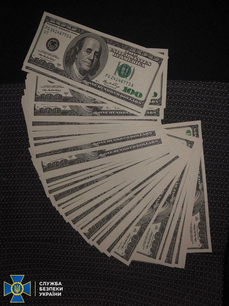 В Николаеве задержали группу фальшивомонетчиков - ежемесячно «рисовали» до 100 тысяч долларов (ФОТО) 3