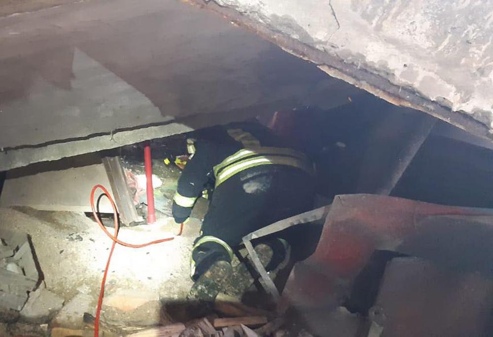 Взрыв котла в школе в Николаевской области: спасатели достали из-под завалов 26-летнего мужчину (ФОТО) 3