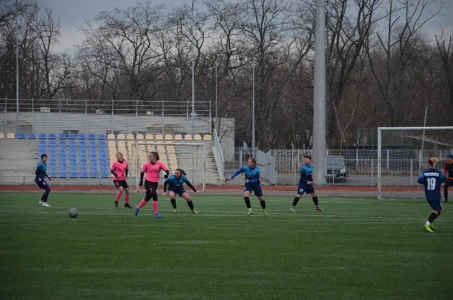 В Николаеве проходит «8-мартовский» международный турнир по женском футболу (ФОТО) 3