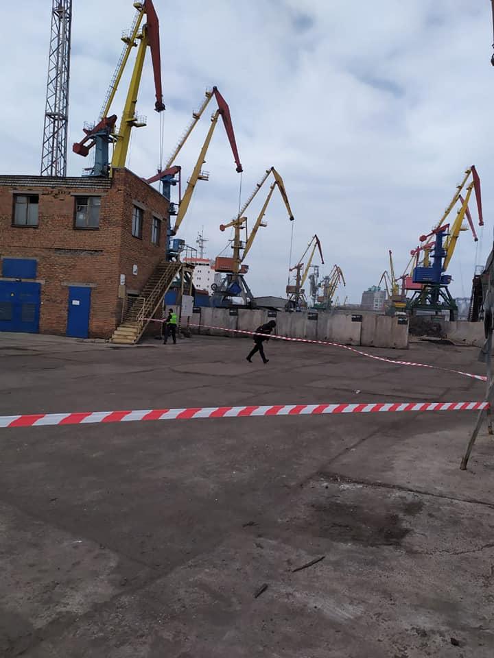В Николаевском морском порту действительно нашли взрывчатку - в рамках антитеррористических учений СБУ (ФОТО) 3