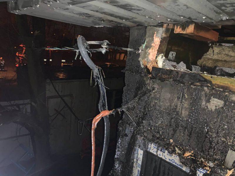 Ночью в Николаеве загорелся утеплитель на доме (ФОТО)