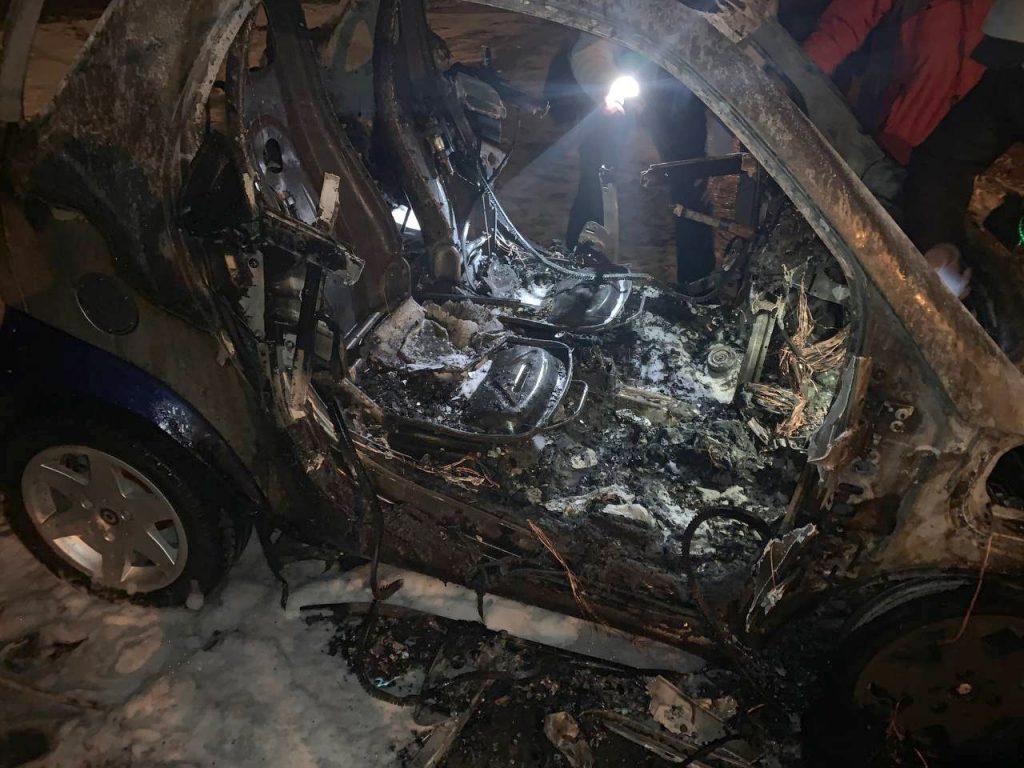 В заводском районе Николаева сгорел SMART (ФОТО) 5