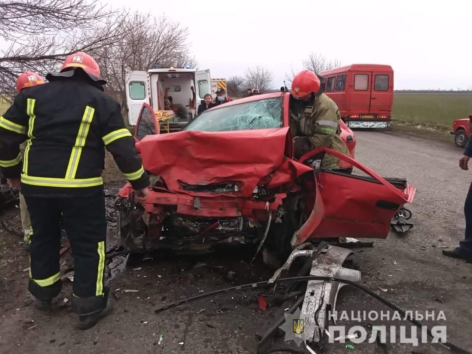 На Николаевщине – сразу два смертельных ДТП: в одном погиб пешеход, в другом – два 16-летних парня (ФОТО) 5