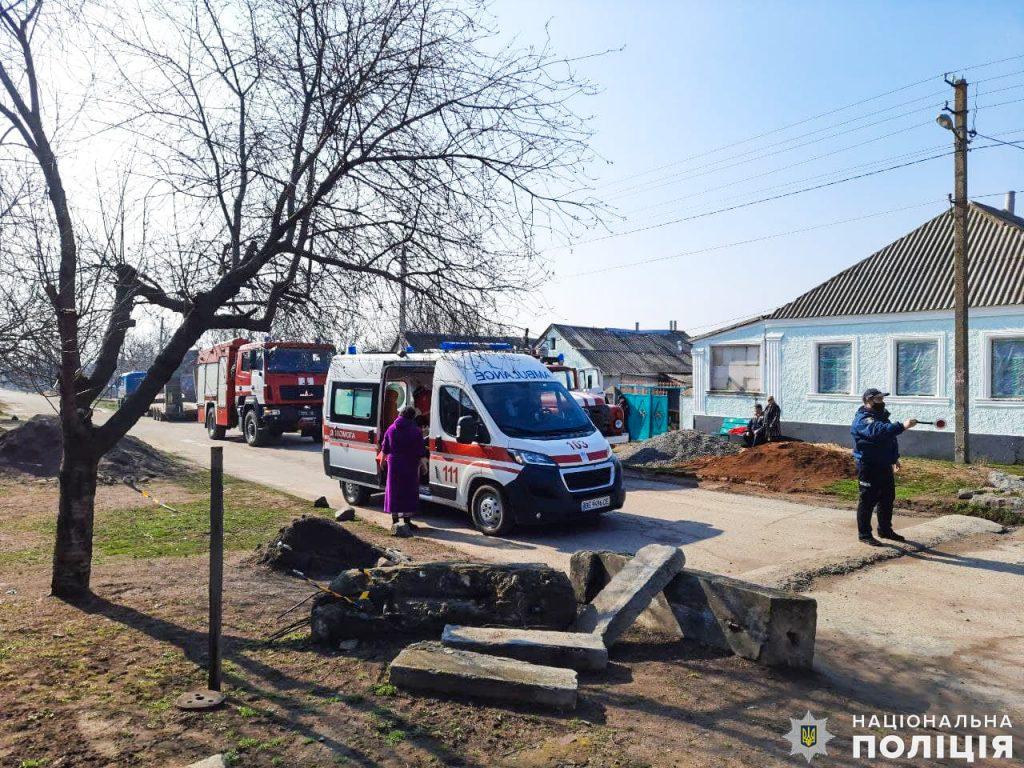 На Николаевщине полицейский офицер громады спасла детей на пожаре (ФОТО) 5