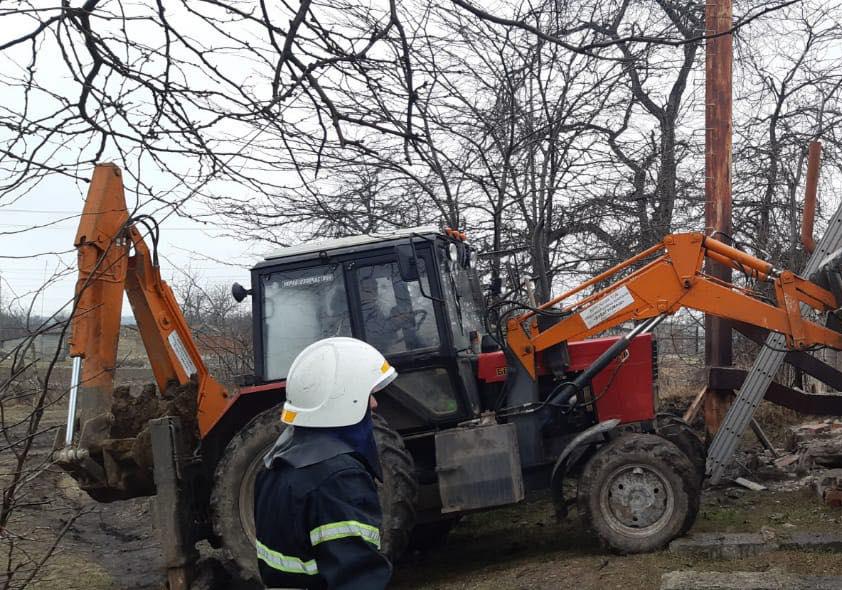 Взрыв котла в школе в Николаевской области: спасатели достали из-под завалов 26-летнего мужчину (ФОТО) 5