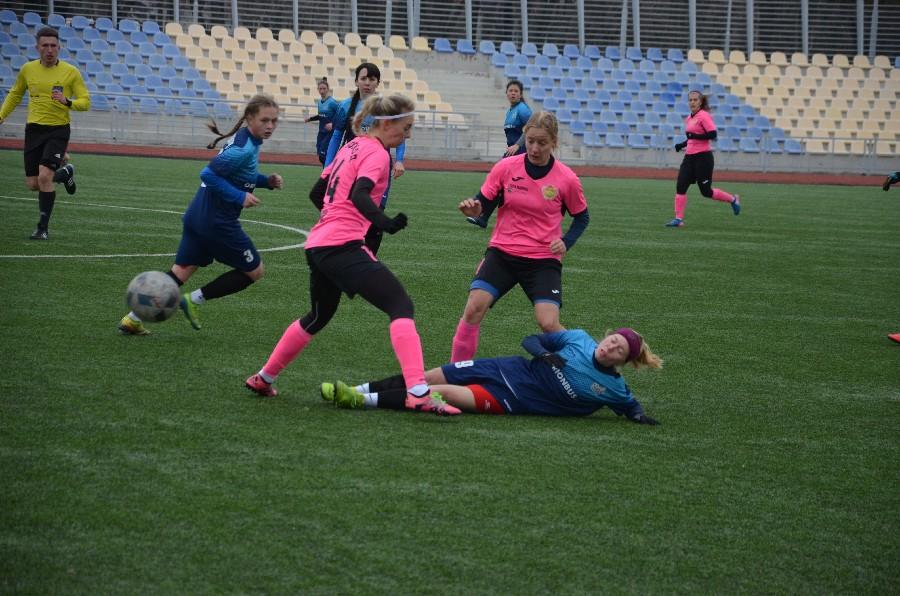 В Николаеве проходит «8-мартовский» международный турнир по женском футболу (ФОТО) 5