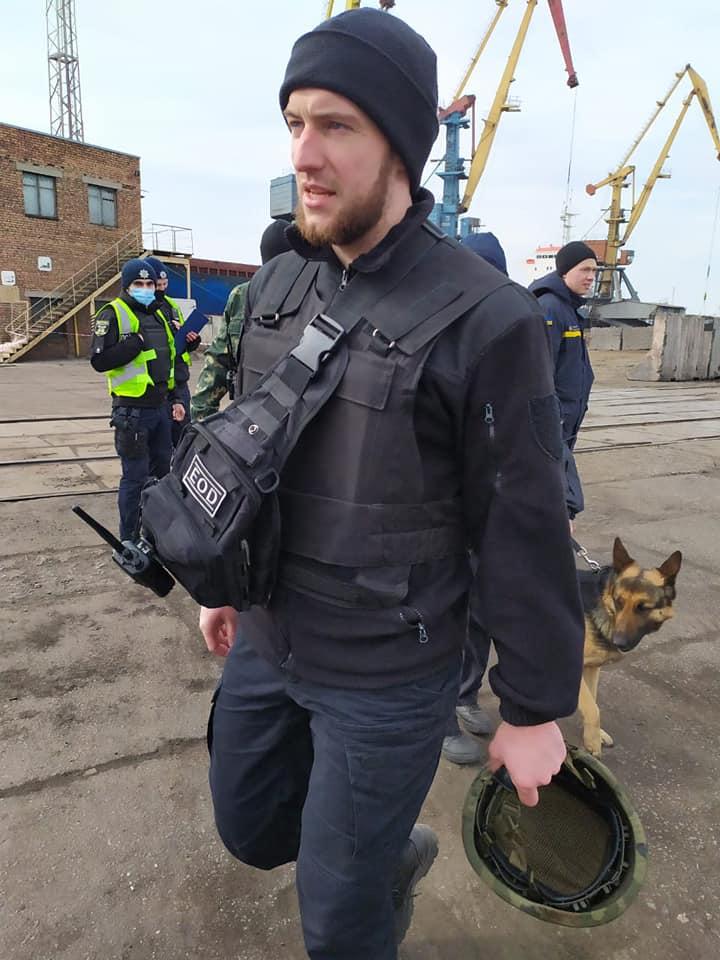 В Николаевском морском порту действительно нашли взрывчатку - в рамках антитеррористических учений СБУ (ФОТО) 5