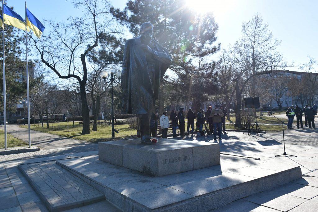 Николаевцы почтили память Кобзаря Тараса Шевченко (ФОТО) 5
