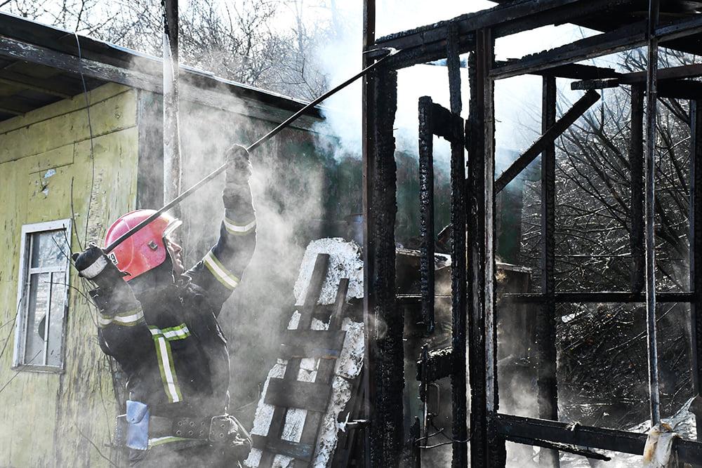 В Варваровке сгорели две хозпостройки (ФОТО) 5