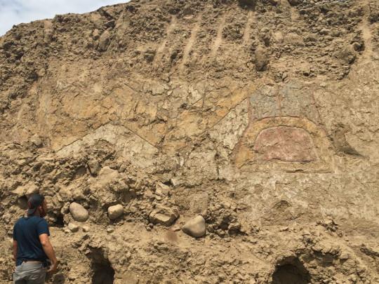 В Перу археологи обнаружили древнюю фреску с изображением бога-паука — ей более 3 тысяч лет