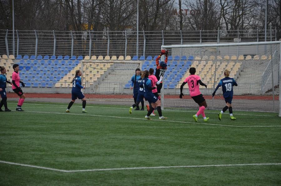 В Николаеве проходит «8-мартовский» международный турнир по женском футболу (ФОТО) 7