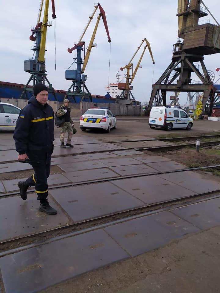 В Николаевском морском порту действительно нашли взрывчатку - в рамках антитеррористических учений СБУ (ФОТО) 7