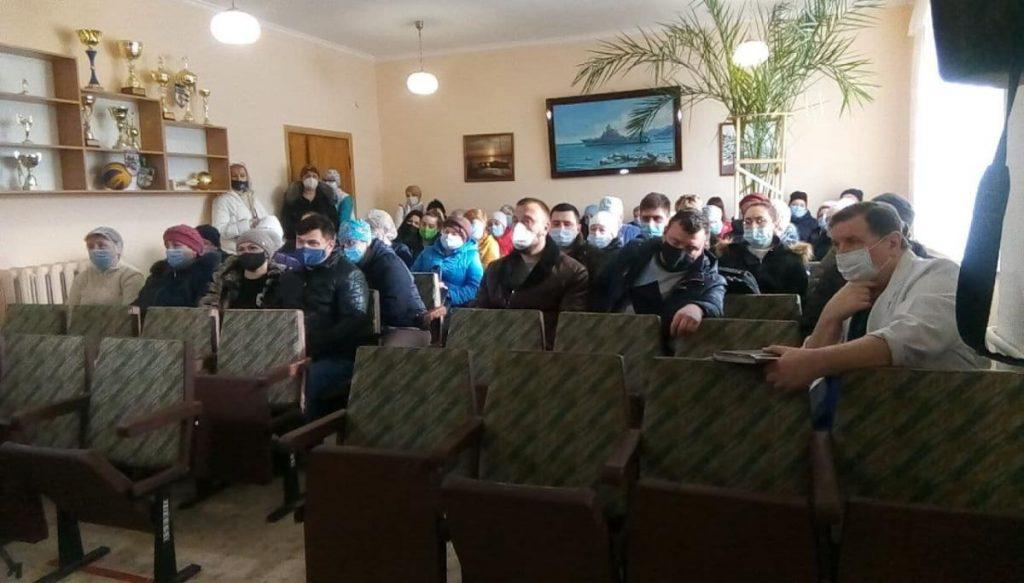 В Николаеве протестовали работники горбольницы №3 - они не получили положенных 300% зарплаты (ФОТО) 9