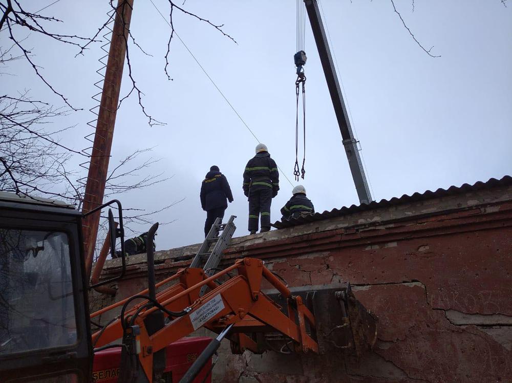 В Николаевской области на территории школы взорвался котел – под завалами оказался один человек (ФОТО) 11