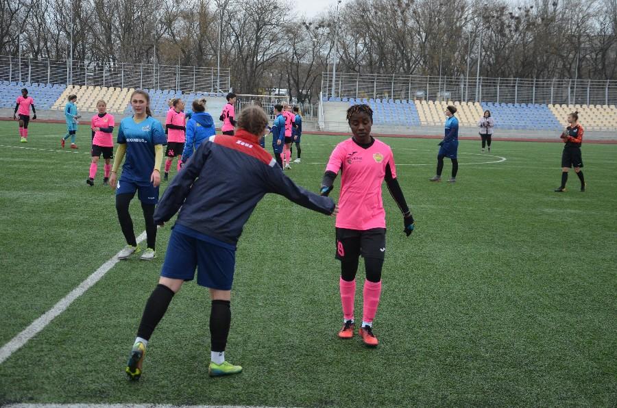 В Николаеве проходит «8-мартовский» международный турнир по женском футболу (ФОТО) 11