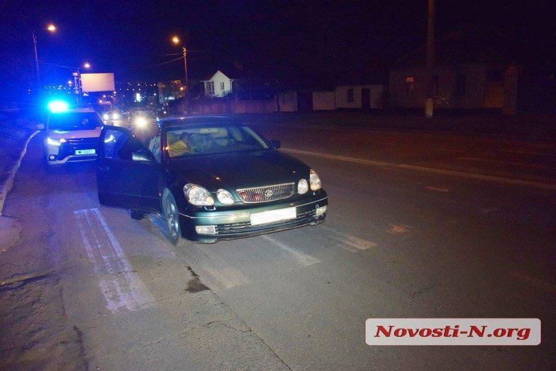 В Николаеве девушка-полицейская на «Лексусе» сбила пешехода