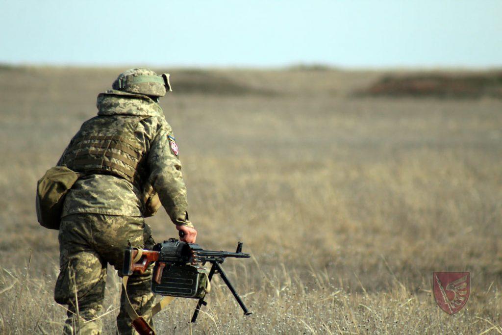 Днем и ночью: николаевские десантники повышают боевые навыки в полевых условиях (ФОТО) 13