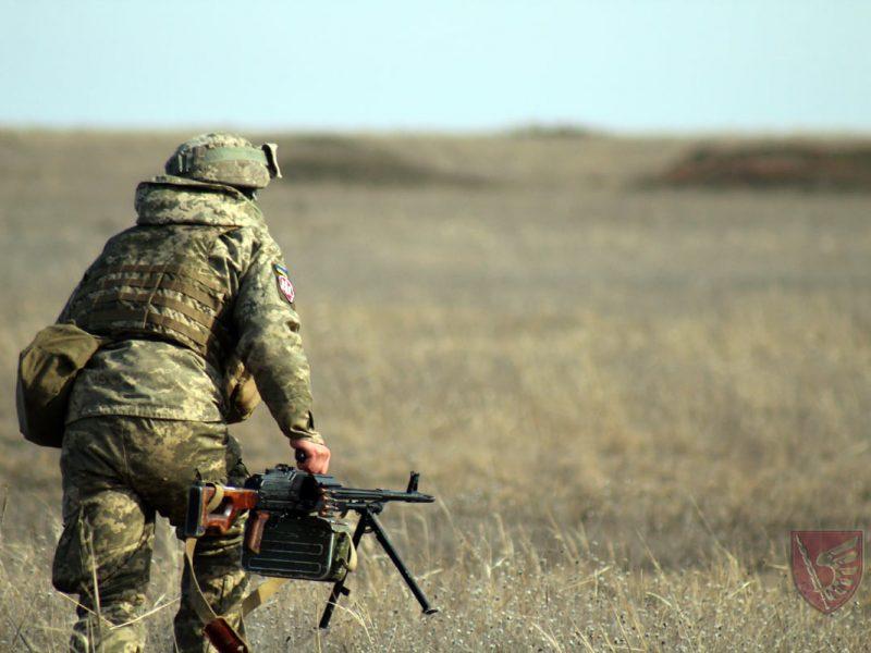 Днем и ночью: николаевские десантники повышают боевые навыки в полевых условиях (ФОТО)