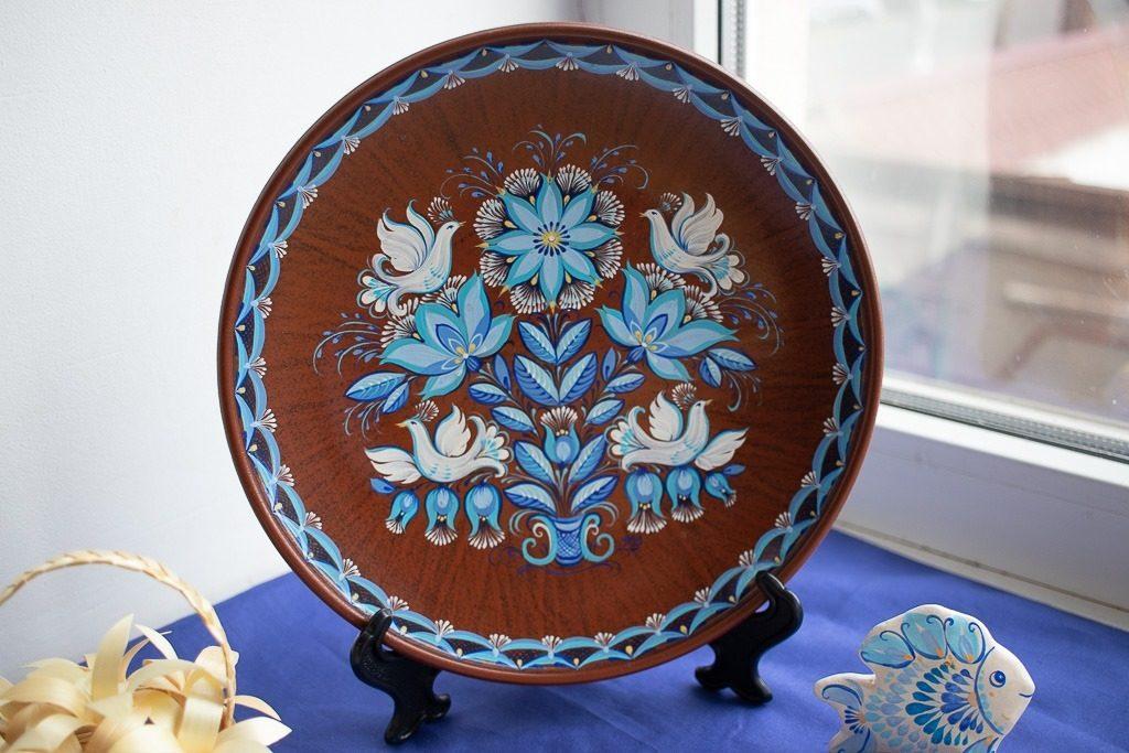 В Николаеве открылась выставка уникальной таврийской росписи Любови Паранюк (ФОТО) 17