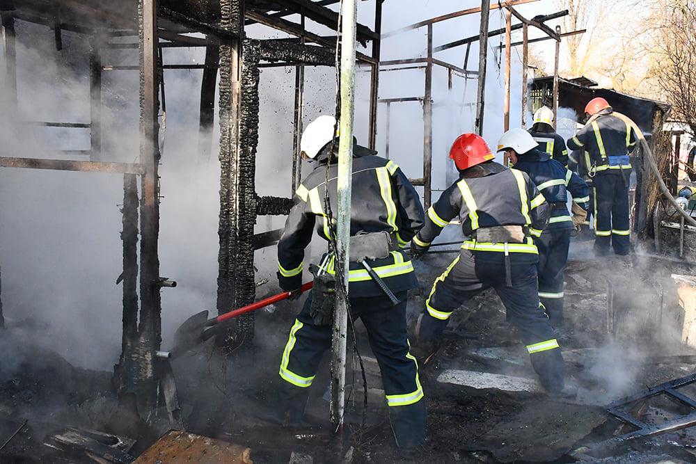 В Варваровке сгорели две хозпостройки (ФОТО) 15