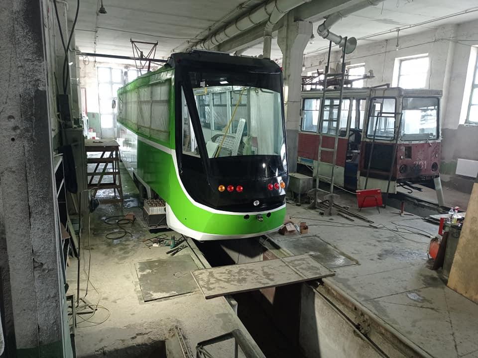 Первая пташка. Как на базе «КТМ-5» в Николаеве создают новый трамвай (ФОТО) 1
