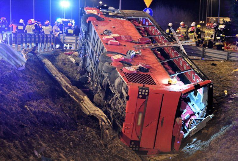 Автобус с украинцами упал с виадука. Подробности ДТП в Польше, в котором погибло 6 человек (ФОТО)