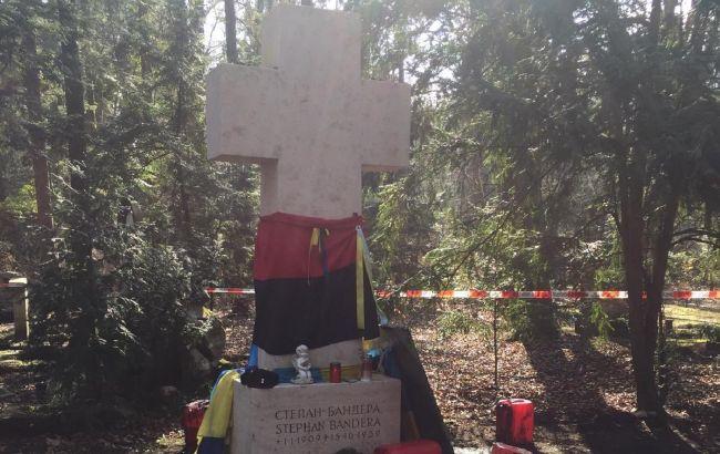 В Мюнхене вандалы осквернили могилу Степана Бандеры