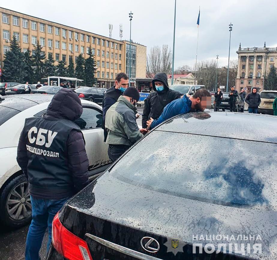 В Николаеве задержан горожанин при попытке продать реальный диплом вуза, но без учебы (ФОТО, ВИДЕО) 3