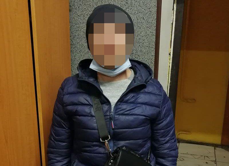 В Николаеве патрульные задержали мужчину, который ворвался в квартиру к 88-летней женщине и украл ноутбук (ФОТО)