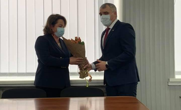 Сенкевич представил Анну Ременникову коллективу администрации Ингульского района Николаева (ФОТО)