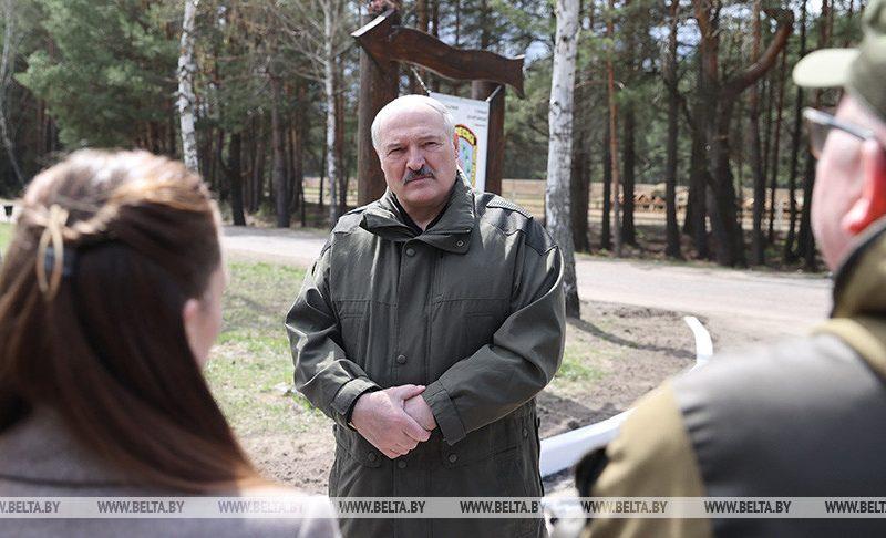 Лукашенко заявил, что его хотели убить 9 мая за $10 млн., чтоб НАТО ввело войска в Беларусь для нападения на РФ