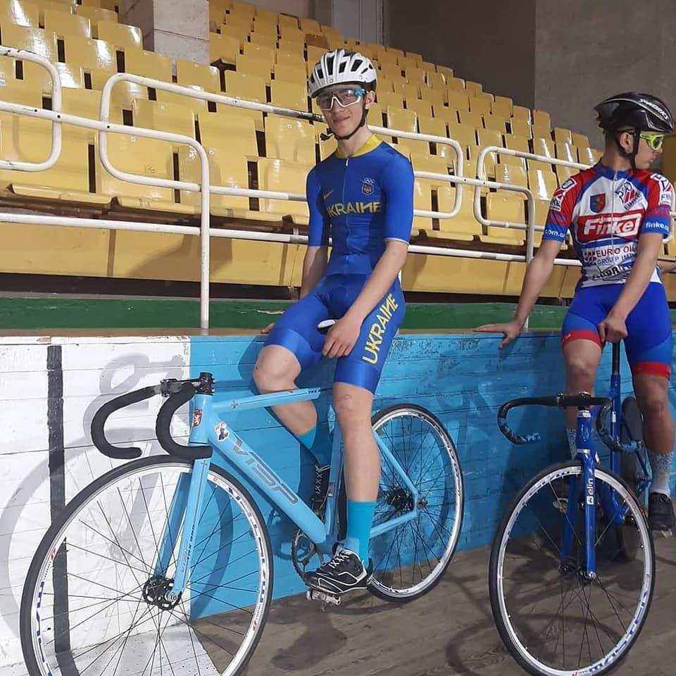 Николаевские спортсмены завоевали 28 медалей на чемпионате Украины по велоспорту на треке (ФОТО) 1