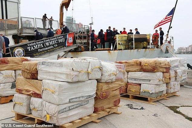 В Майами перехватили лодку-невидимку, перевозившую кокаин на $94,6 млн. (ФОТО, ВИДЕО)