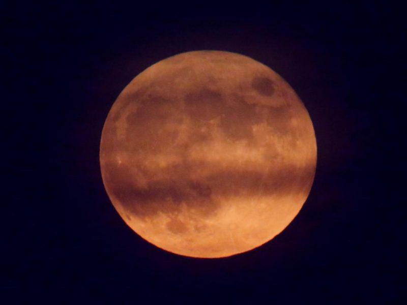 Завтра взойдет Розовая Луна. Что советуют делать и не делать