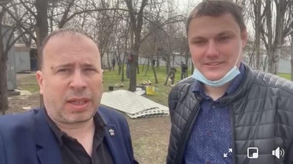 Ермолаев и Коваленко обещают, что в сквере у Николаевского автовокзала пилить деревья пока не будут – до градостроительного совета (ВИДЕО)