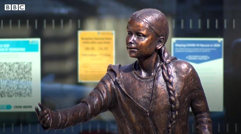 В Великобритании университет установил скульптуру Греты Тунберг – студенты возмущены