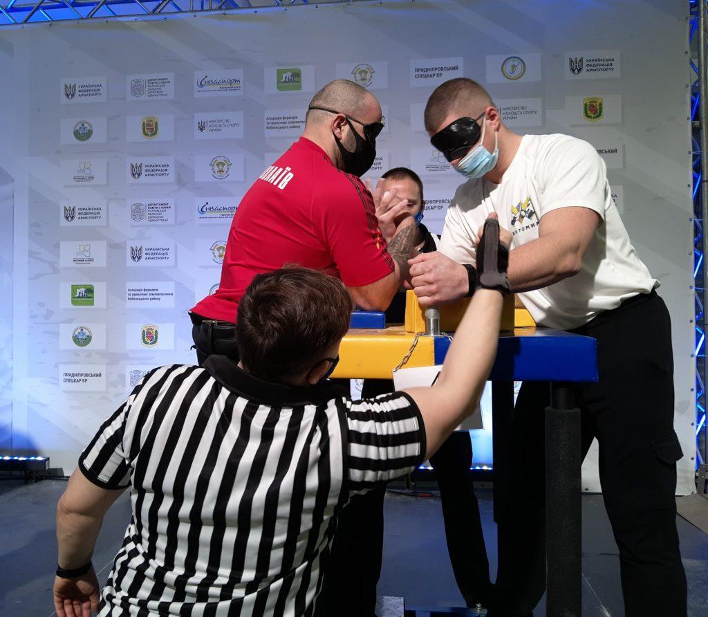 Николаевцы завоевали 12 наград чемпионата Украины по армспорту среди спортсменов с поражением опорно-двигательного аппарата и нарушениями зрения (ФОТО) 19