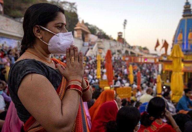 Суперскорость. В Индии за 85 дней вакцинировали 100 млн. жителей (ВИДЕО)
