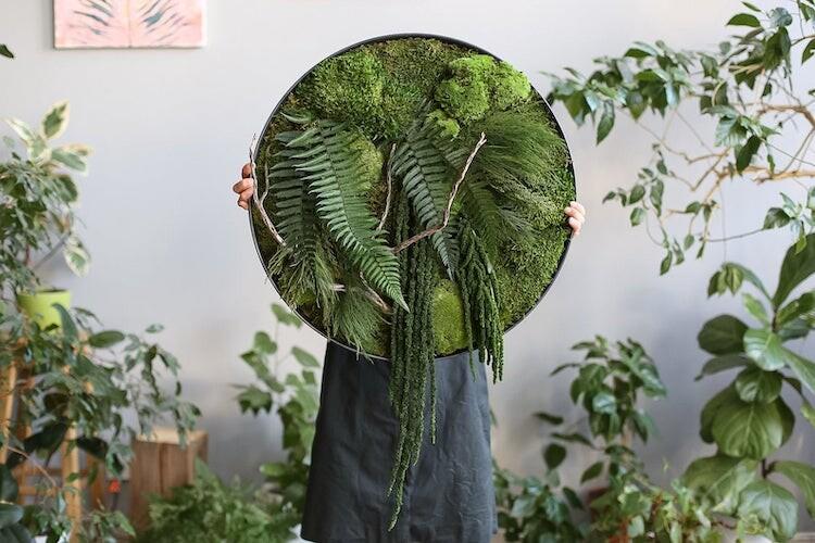 Украинская художница создает картины из мха и смолы – они остаются свежыми до 10 лет (ФОТО)
