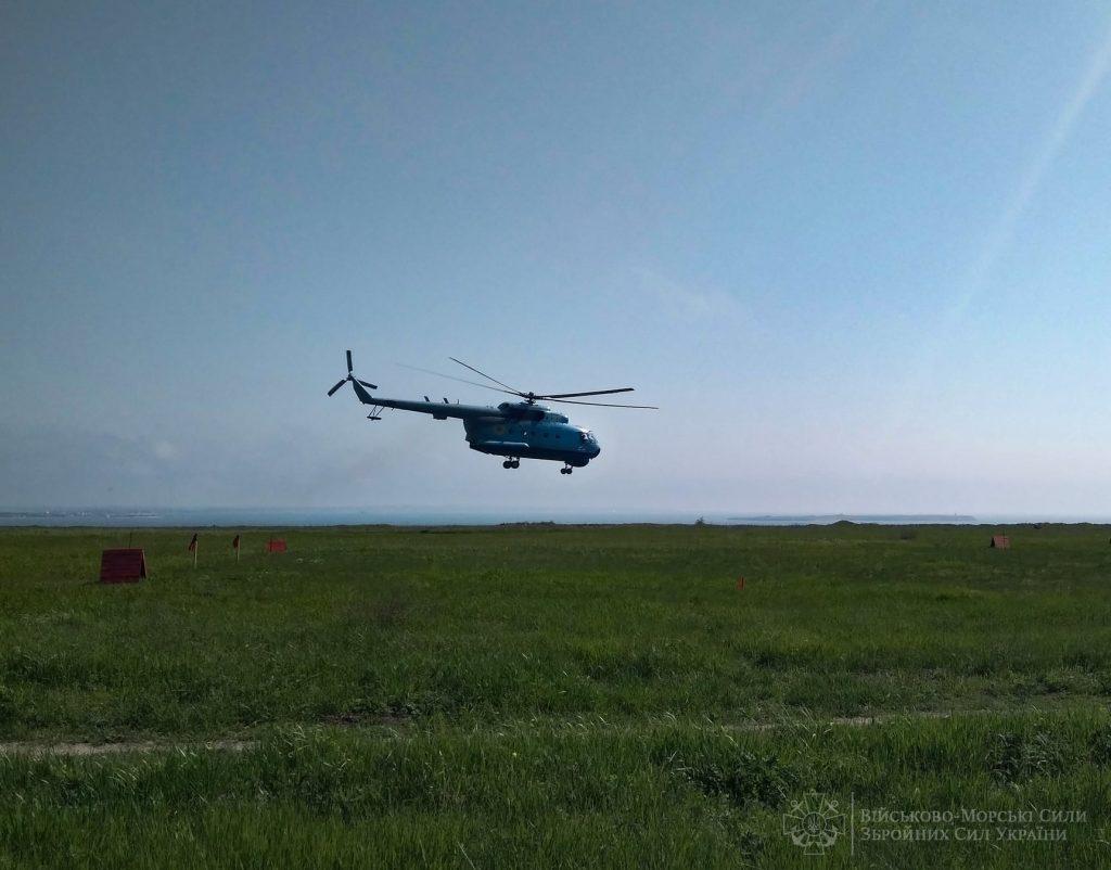Морские авиаторы из Николаева отработали поражение водных целей авиационными бомбами (ФОТО) 3