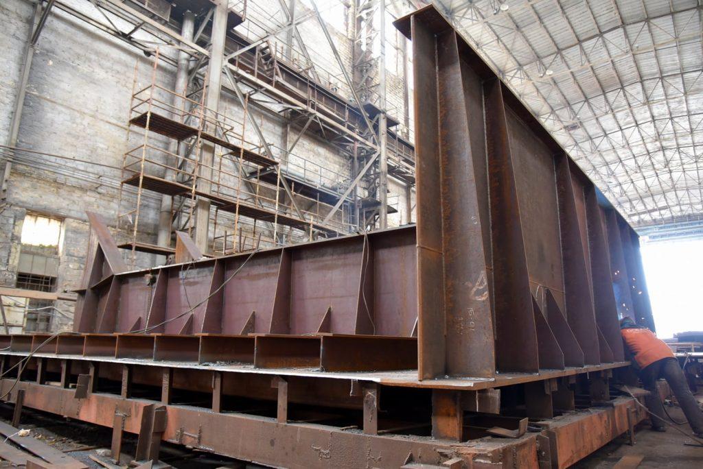 На николаевском судозаводе «Океан» начали ремонтировать затвор сухого дока, который затонул полтора года назад (ФОТО) 3