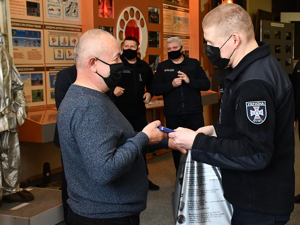 В Николаеве ветеранам-ликвидаторам аварии на ЧАЭС в Службе спасения вручили награды (ФОТО) 9